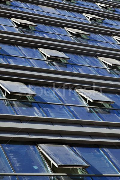 Streszczenie Windows widoku budynków kurtyny Zdjęcia stock © eldadcarin