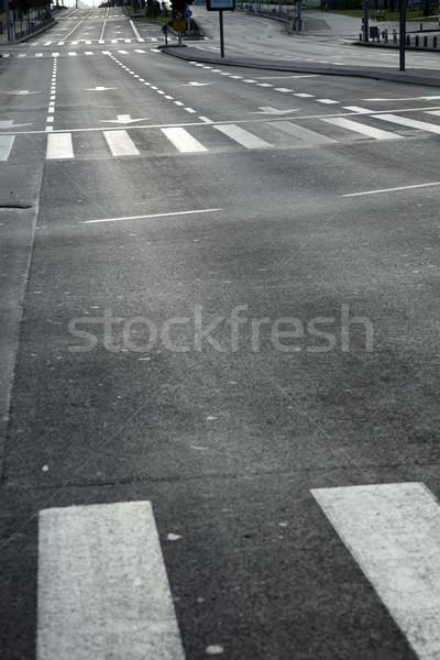 Rua principal vazio cedo manhã carro Foto stock © eldadcarin