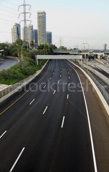Vacío cuatro carretera tráfico estación de ferrocarril Foto stock © eldadcarin