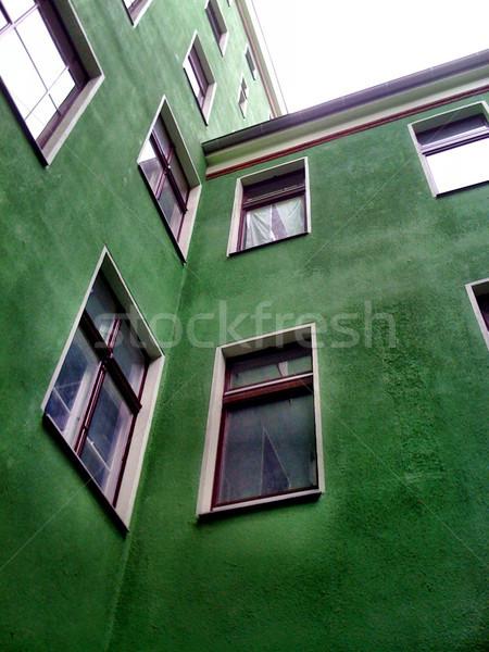 Berlin yeşil Bina görmek pencereler Stok fotoğraf © eldadcarin