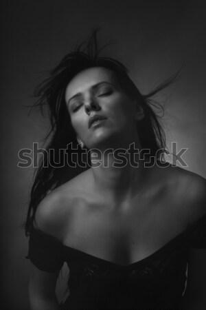 Donna battenti capelli bianco nero foto Foto d'archivio © Elegies