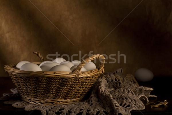 Bianco uova basket tavolo in legno Foto d'archivio © Elegies