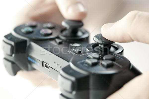 Ręce kontroler gier mężczyzna gra wideo zabawki Zdjęcia stock © elenaphoto