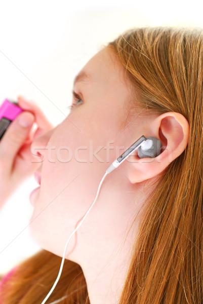 Stockfoto: Meisje · luisteren · muziek · jonge · luisteren · naar · muziek · mp3-speler