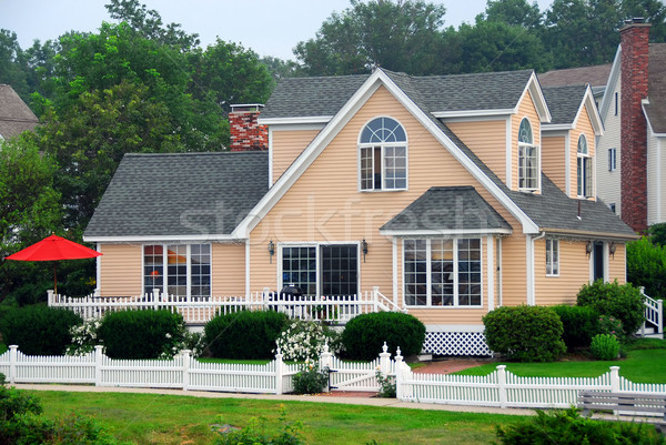 Chalet Maine joli spacieux maison Photo stock © elenaphoto