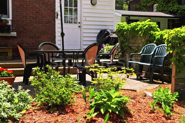Maison patio extérieur meubles jardin été Photo stock © elenaphoto