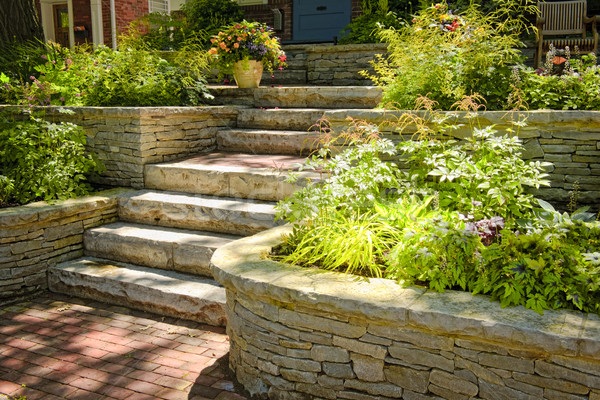 Naturalnych kamień krajobraz domu ogród schody Zdjęcia stock © elenaphoto