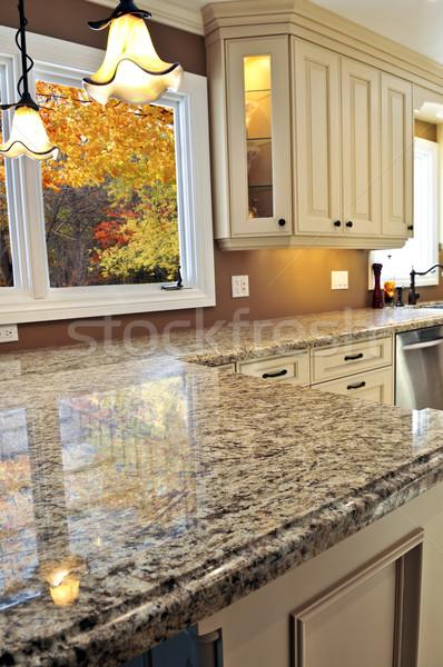Moderne keuken interieur luxe graniet ontwerp home Stockfoto © elenaphoto
