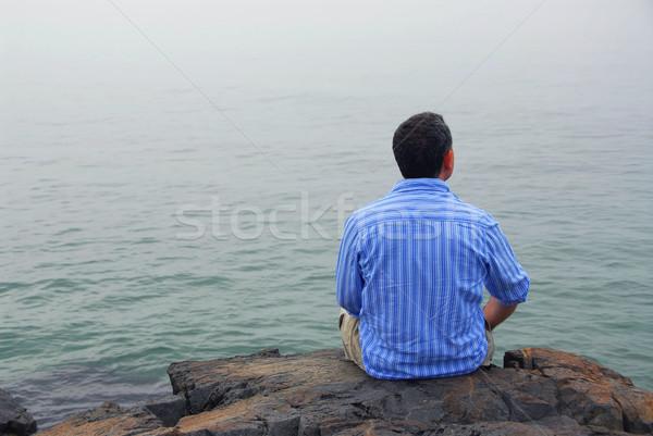 человека глядя тумана туманный океана неопределенный Сток-фото © elenaphoto