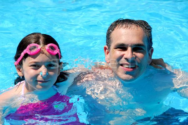 отец дочь бассейна Бассейн семьи Сток-фото © elenaphoto