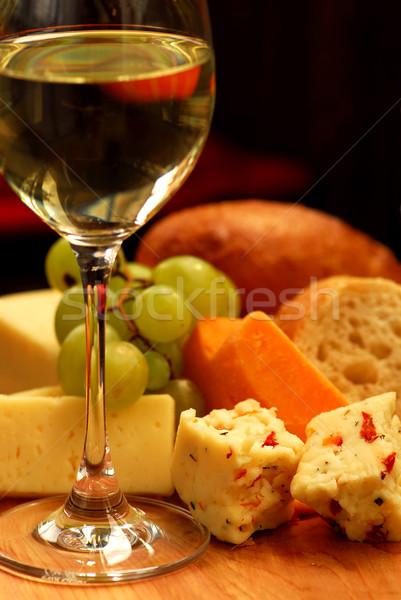 Degustação de vinhos vidro vinho branco vinho fruto verde Foto stock © elenaphoto