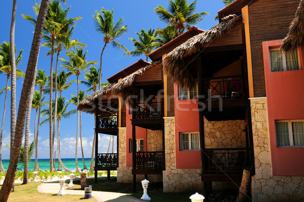 Tropikalnych resort luksusowe hotel ocean brzegu Zdjęcia stock © elenaphoto