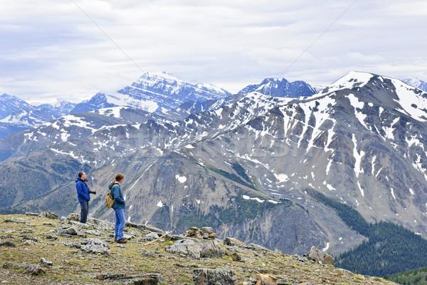 Stockfoto: Wandelaars · bergen · genieten · schilderachtig · natuur