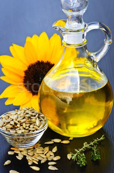 ひまわり油 ボトル 生 種子 花 光 ストックフォト © elenaphoto