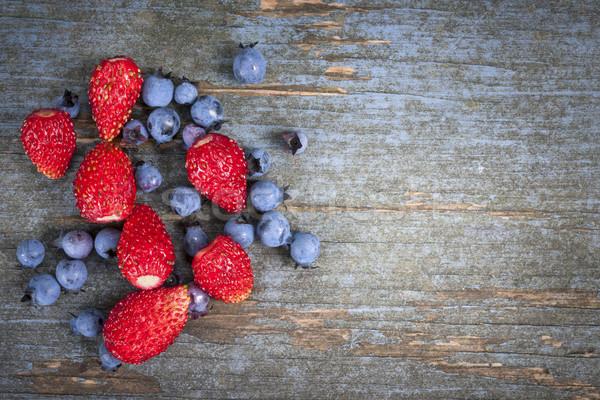 Sauvage baies bois fraises bleuets vieux Photo stock © elenaphoto
