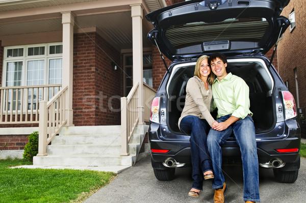 Casal sessão de volta carro feliz Foto stock © elenaphoto