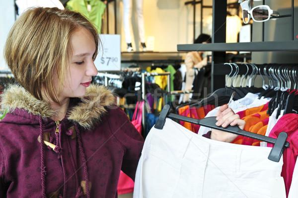 Stok fotoğraf: Genç · kız · alışveriş · elbise · kız · çocuk