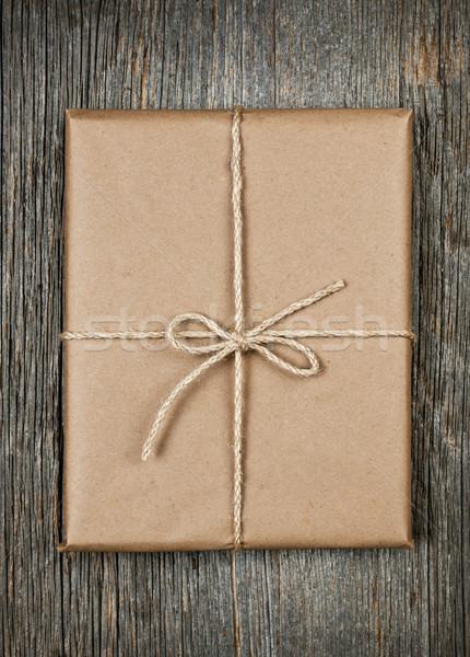 Regalo carta marrone string pacchetto rustico legno Foto d'archivio © elenaphoto
