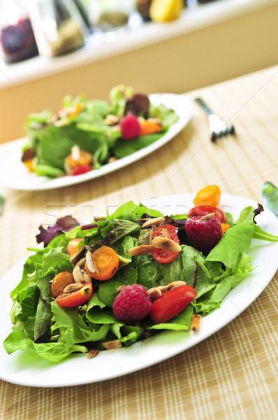 Yeşil salata karpuzu domates sağlıklı kiraz domates Stok fotoğraf © elenaphoto