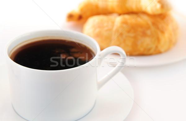 Koffie zwarte koffie vers croissants ontbijt beker Stockfoto © elenaphoto