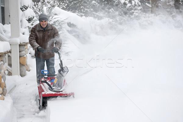 Foto stock: Homem · entrada · da · garagem · profundo · neve · residencial · casa