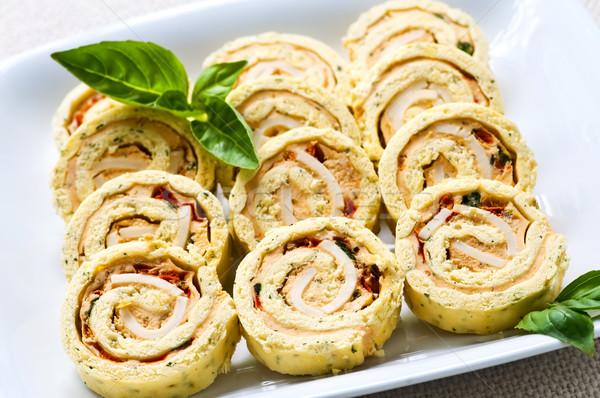 Klein sandwich spiraal rollen voorgerechten plaat Stockfoto © elenaphoto