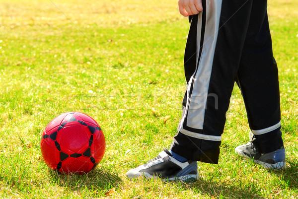 Сток-фото: играет · Футбол · красный · мальчика · за · пределами