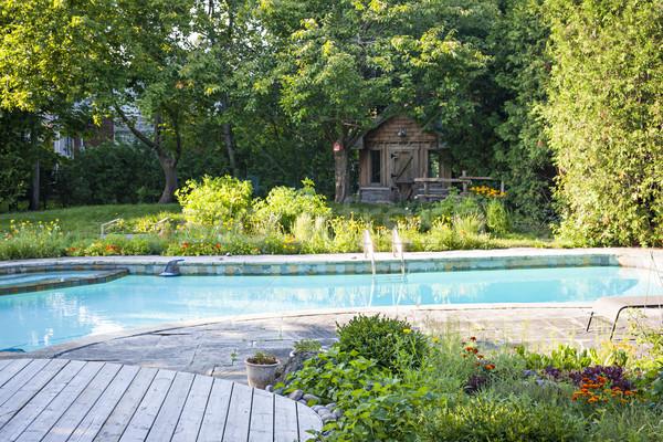 Ogród basen podwórko zewnątrz mieszkaniowy Zdjęcia stock © elenaphoto