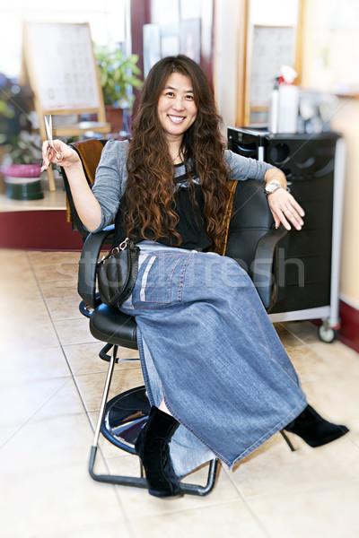 Haj stylist szalon ül szék fodrászat Stock fotó © elenaphoto