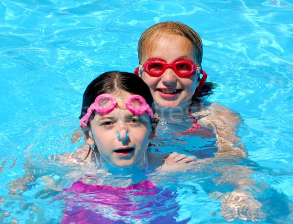 Foto stock: Meninas · crianças · piscina · dois · piscina