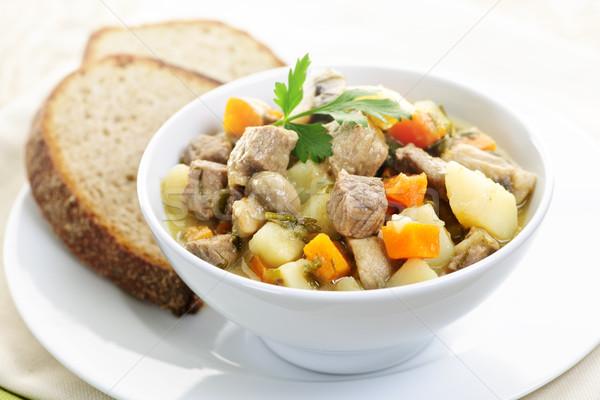 Puchar gulasz wołowy warzyw serwowane żyto chleba Zdjęcia stock © elenaphoto