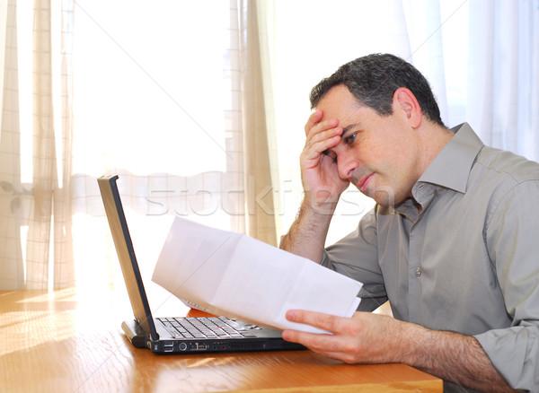 男 ノートパソコン 座って デスク 見える ストックフォト © elenaphoto
