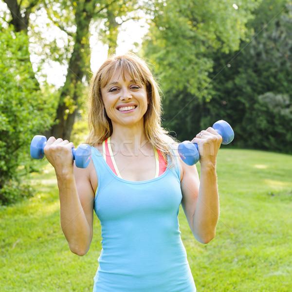 Foto d'archivio: Donna · manubri · ritratto · femminile · fitness