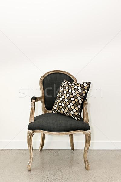 Сток-фото: антикварная · кресло · стены · мебель · подушка · белый