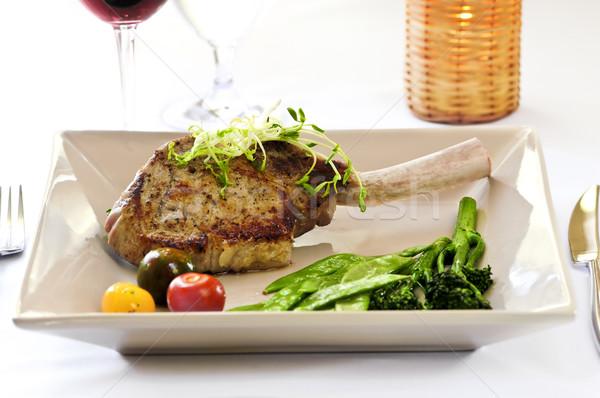 Borjúhús vacsora gurmé borda kotlett zöldségek Stock fotó © elenaphoto