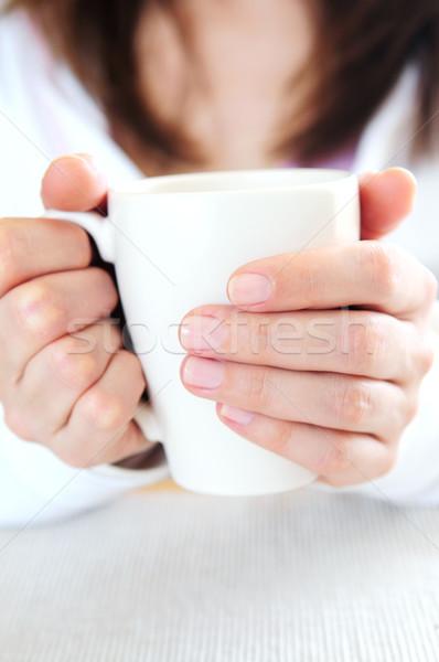 Kezek tart csésze érett nő kéz kávé Stock fotó © elenaphoto