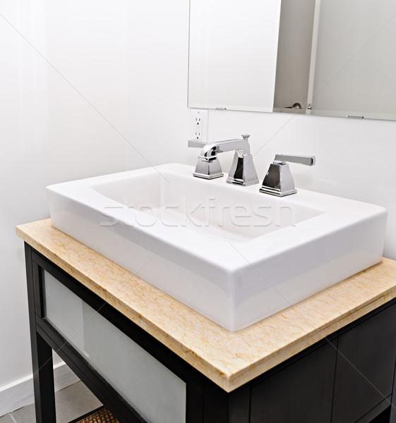Bagno sink primo piano interni vanità specchio Foto d'archivio © elenaphoto