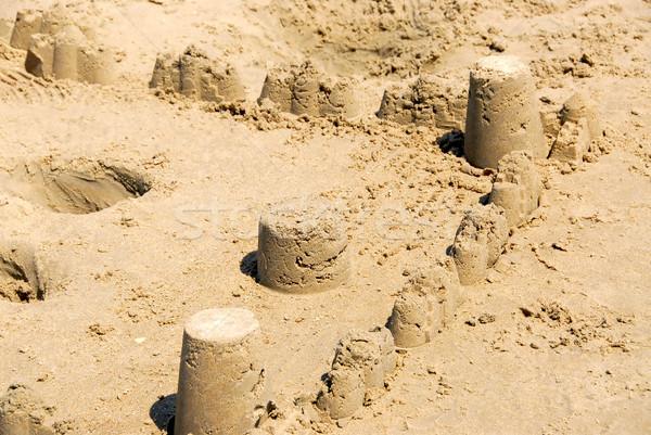 Homokvár tornyok falak tengerpart gyerekek tenger Stock fotó © elenaphoto