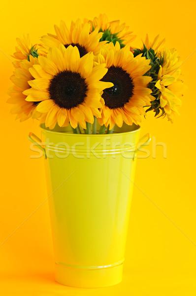ストックフォト: ひまわり · 花瓶 · 花束 · 黄色 · 金属 · 花