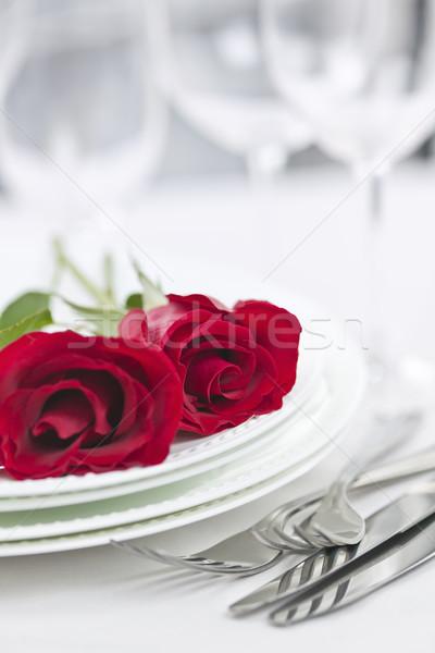 Stock fotó: Romantikus · vacsora · asztal · kettő · rózsák · tányérok