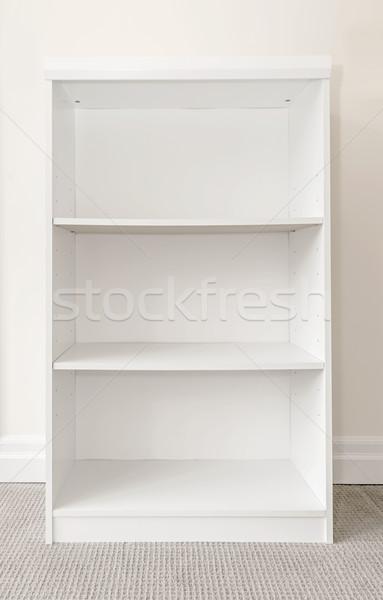 Vazio branco prateleira de livros parede quarto Foto stock © elenaphoto