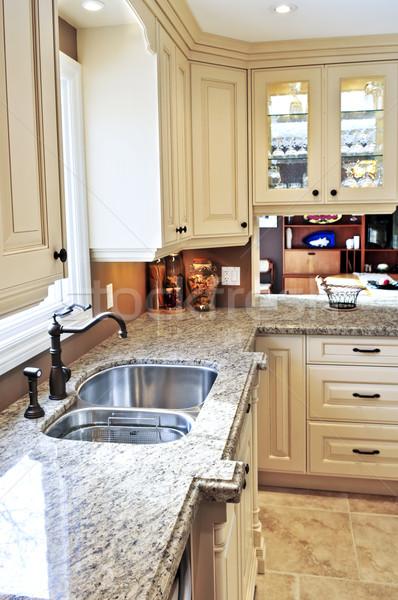Moderno interior da cozinha luxo granito projeto casa Foto stock © elenaphoto