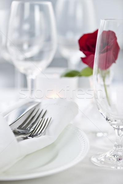 Stock fotó: Romantikus · vacsora · asztal · rózsa · tányérok · evőeszköz