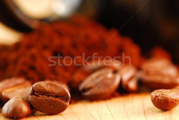 Grãos de café terreno café macro imagem café preto Foto stock © elenaphoto