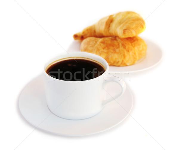 Koffie zwarte koffie vers croissants geïsoleerd witte Stockfoto © elenaphoto