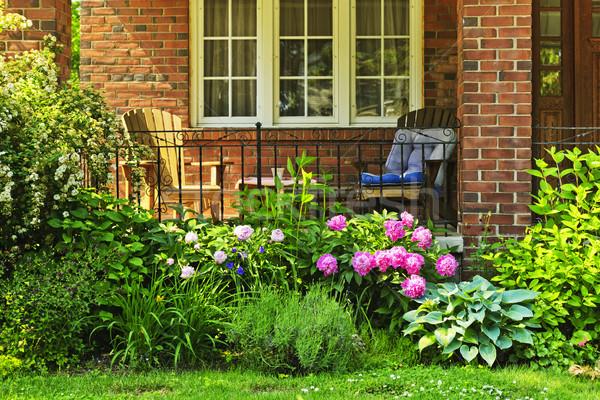 Stok fotoğraf: Bahçe · ev · ev · sandalye