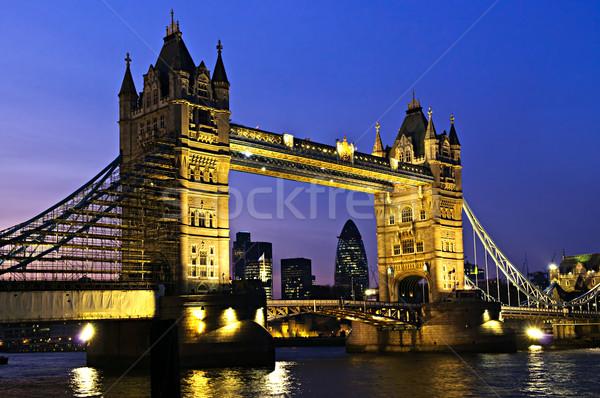 Tower Bridge Londres noite inglaterra rio Foto stock © elenaphoto
