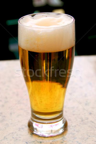 Bière pinte table extérieur restaurant Photo stock © elenaphoto