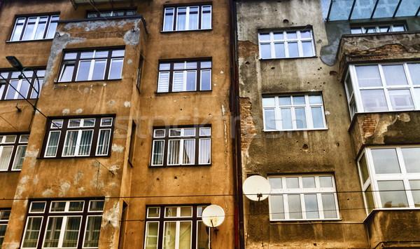 Bala parede edifício fachada casa cidade Foto stock © Elenarts