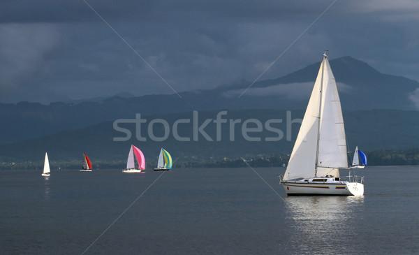 Zeilen boten stormachtig weer meer Stockfoto © Elenarts